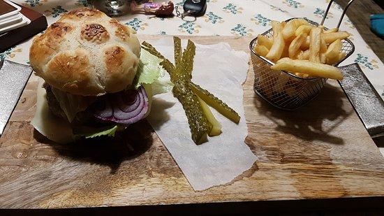 Salonta, โรมาเนีย: burger