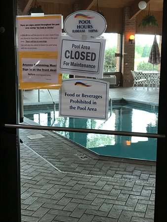 Pool closed for maintenance....disappointing.