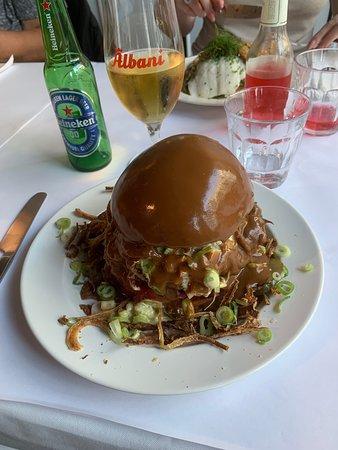 Den bedste bøfsandwich jeg nogensinde har smagt ALT var hjemme lavet og var en fornøjelse at spise. Alt er superbt og perfekt. Kan kun anbefale til alle der kan lide god mad, god betjening og gode omgivelser 🤗😊
