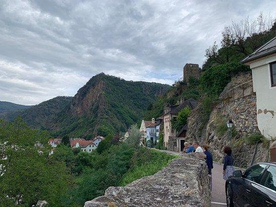 Stift Dürnstein: Walk to Durnstein