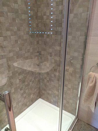 Belford House: The well equipped shower