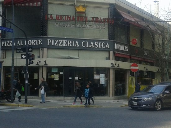 La Reina de la Pizza: Barrio Once- Bs.As. 2019.