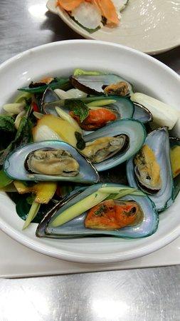 Dee-Lish 2 Restaurant: NZ Mussels