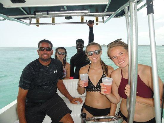 Tour de medio día en barco: On the boat with Captain Graeme and first Mate MJ.