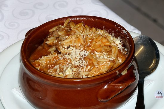 Kokoras Restaurant: BEEF GIOUVETSI-CASSEROLE 