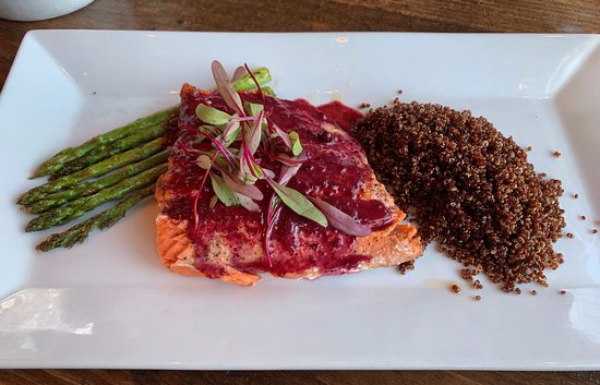 Rainbow Ranch Lodge Restaurant: Salmon