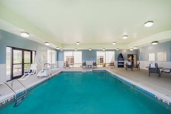 Holiday Inn Express Bloomsburg: Pool