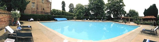 The lonely pool