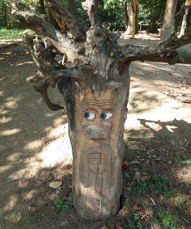 Scultura del bosco incantato