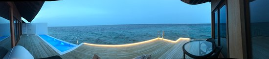 Miriandhoo: Infinity pool on private back deck in the water