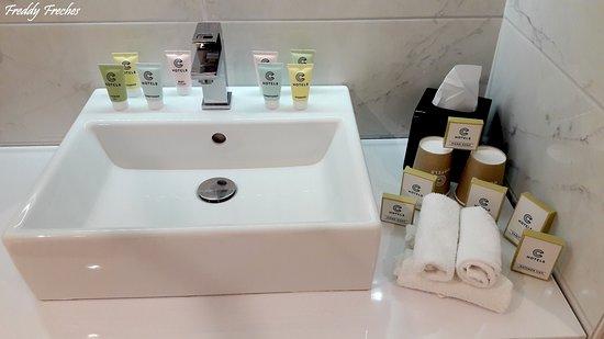 Salle de bain totalement équipées !