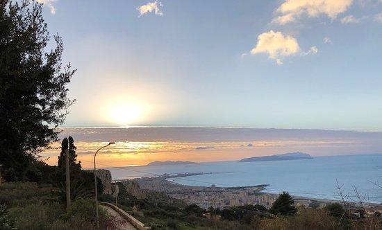אריצ'ה, איטליה: Tramonto sulle Isole Egadi !