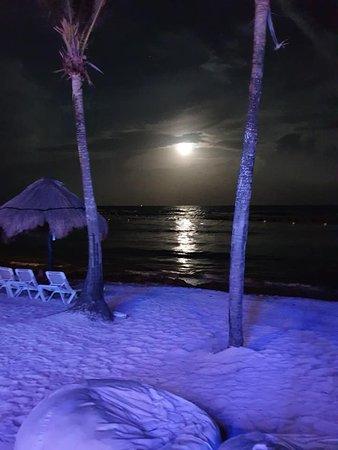 soirée au beach bar sur la plage sympa