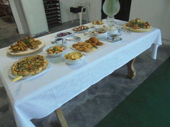 Quinta da Padrela: table d'hôtes : les entrées….. délicieux !!