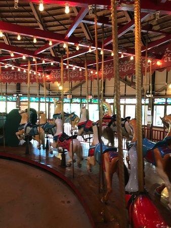 Bushnell Park Carousel 사진