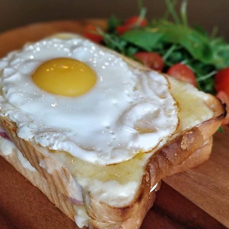 A great way to fuel up before a busy day of working or hiking, this toast with savoury eggs and of course, bacon. The eggs deliver a variety of vitamins and minerals to help your body function at its best.