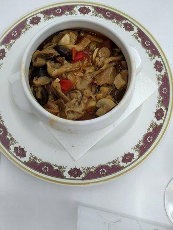 Otra vez en Restaurante San Fermín,  Setas, Salmorejo, carrillada ternera, solomillo cerdo a la pimienta, qué rico todo, platos vacíos😋