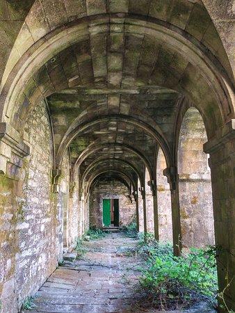 Monfero Abbey: Estado de abandono total