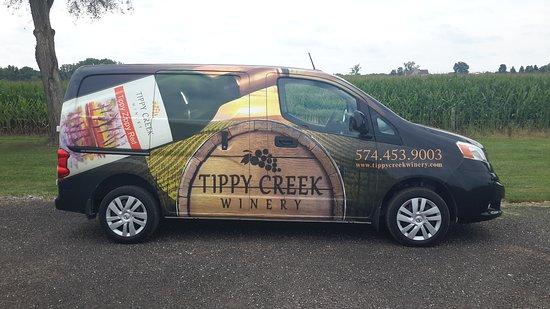 Leesburg, IN: Winery van