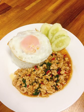 All the most popular Thai food can be found here!!