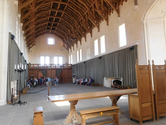 Stirling Castle Entrance Ticket: Empty banquettting hall
