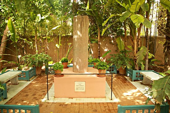 Jardín Majorelle: Tumba de Yves Saint Laurent