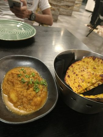 Evening outing: A great relaxing evening at Grok, Hayatt Centric, Candolin with a family outing for dinner. Neha served us with a spirit of