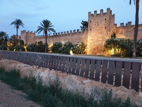 Foto Alcudia Old Town