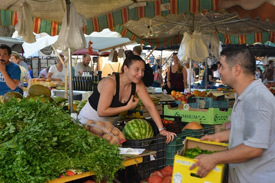 Alcudia Old Town: Marktstand Früchte und Gemüse