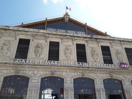 Gare de Marseille Saint-Charles: la fameuse gare saint charles ...