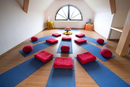 Seminarhotel Fohlenweide: Tagungsraum Ausblick (hier als Yogaraum genutzt)