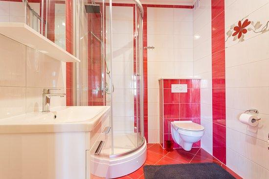 Trogir, Croácia: second bathroom