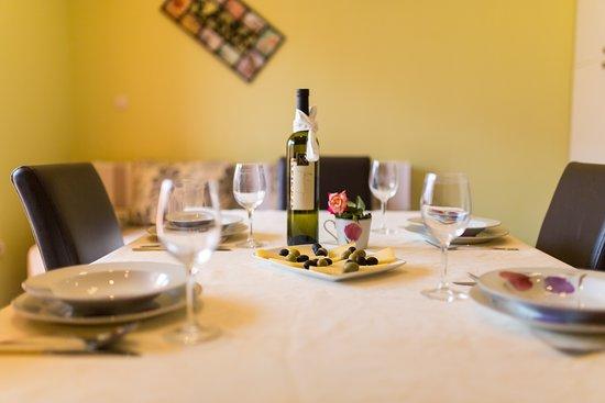 Trogir, Croácia: kitchen
