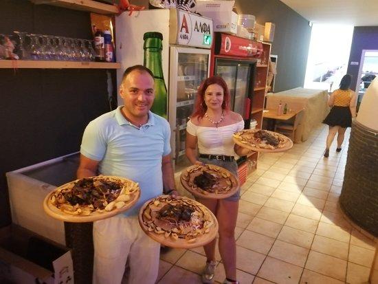 Vatania Taverna Meze Bar: More spare ribs BBQ