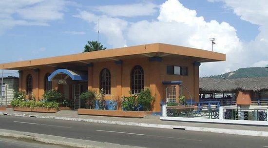 Bahia de Caraquez, Ecuador: Puerto Amistad