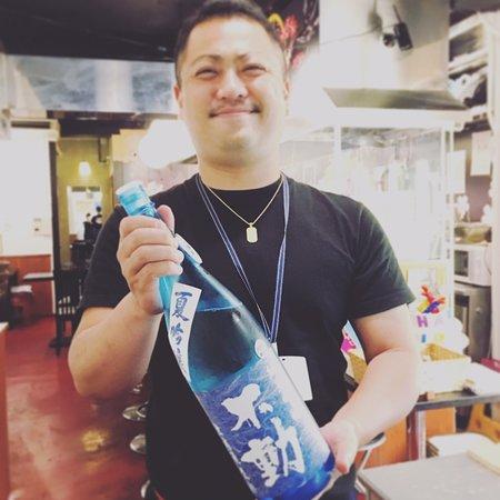 福島出身のオーナーが厳選した日本酒を揃えてます。