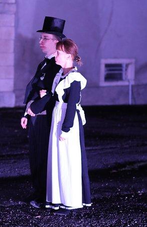 L' église et le château de La Loyére: Fin du spectacle rondes de nuit
