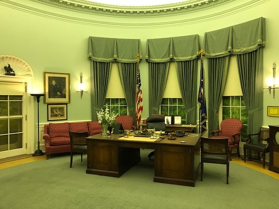 Harry S. Truman Library and Museum: President Truman's Oval Office recreated in the museum