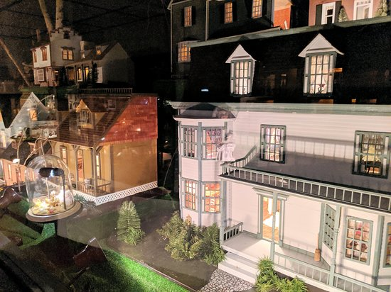 House on the Rock: The world's largest collection of dollhouses.