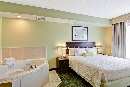 SpringHill Suites Erie: Suite