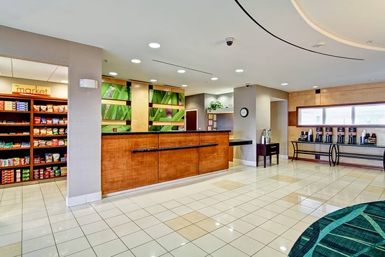 SpringHill Suites Erie: Lobby
