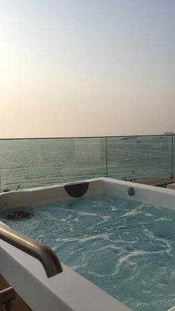 Caesars Palace Bluewaters Dubai 사진