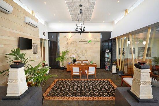 Aston Kupang Hotel & Convention Center: Spa and Massage