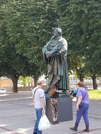 Luther Monument: Cool monument
