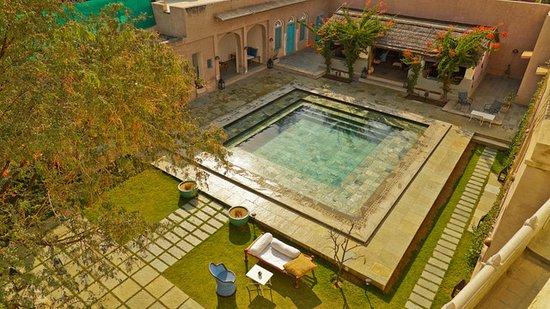 Mandawa Kothi: pool!!