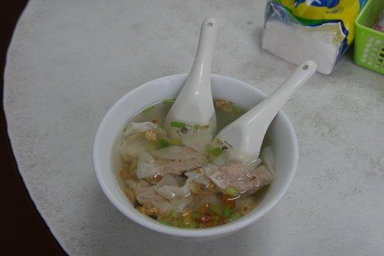 Dai Ji Wonton: 結構ボリュームのあるワンタンスープ