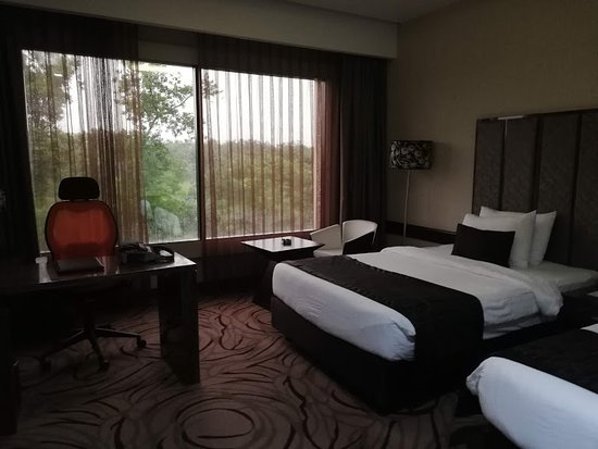 The Palace Luxury Resort: Room in main building
