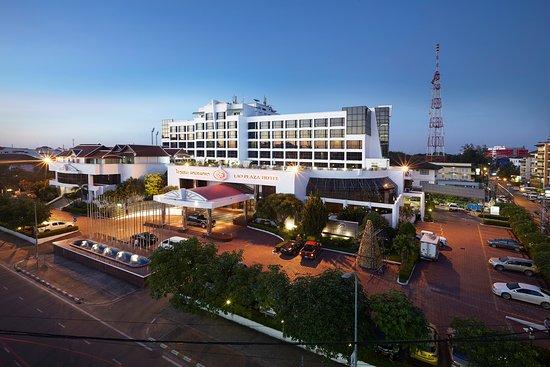 Lao Plaza Hotel: Hotel Exterior
