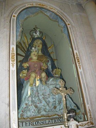 Santuario della Madonna delle Taviele: la madonna delle tavele