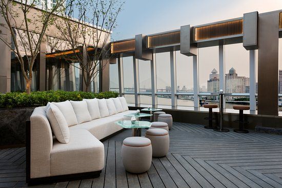 Le Manoir Ling • Rooftop Bar